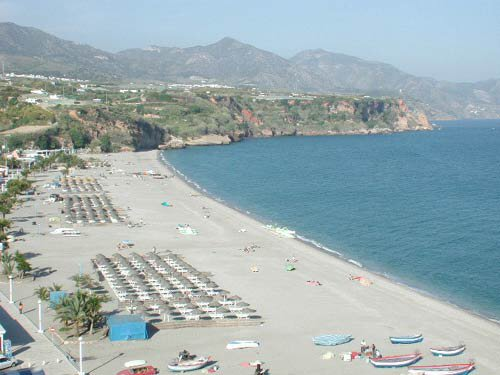 burriana playa nerja
