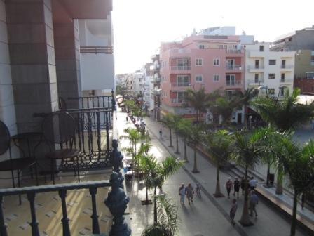 Los-Cristianos-view-calle-gen-franco.jpg