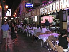 Al restaurante en Benidorm