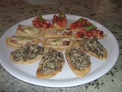 Crostini de atún y aceitunas