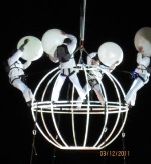 grupo-puja9-white-balls.jpg