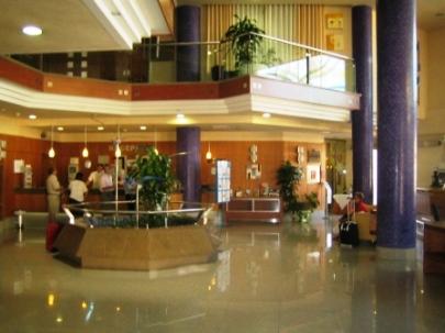 hotel gaviotas reception