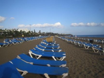 Lanzarote puerto del carman playa