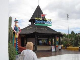 las-americas-mini-golf1.jpg