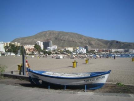 los-cristianos-beach-boat.jpg