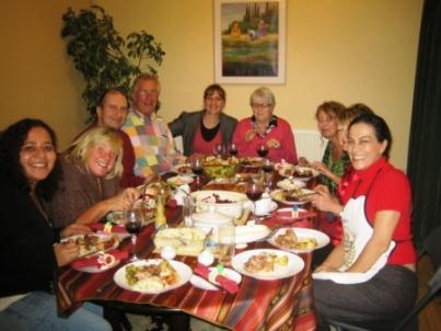 cena-de-navidad-estudiantes-con-professora