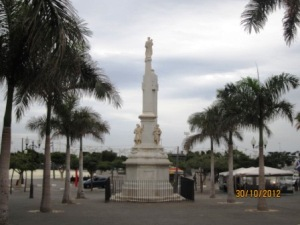 santa-cruz-de-tenerife-plaza-candelaria.jpg