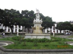 santa-cruz-de-tenerife-plaza-de-weyler.jpg