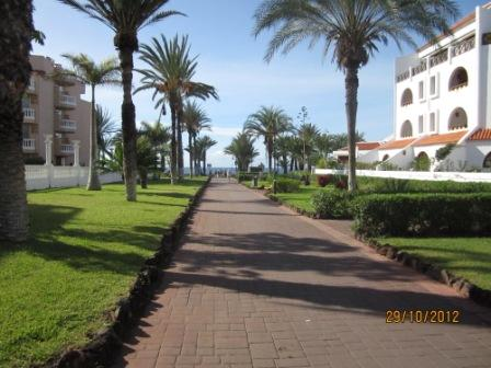 Tenerife-hotel-cleopatra-external-view-to-playa.jpg