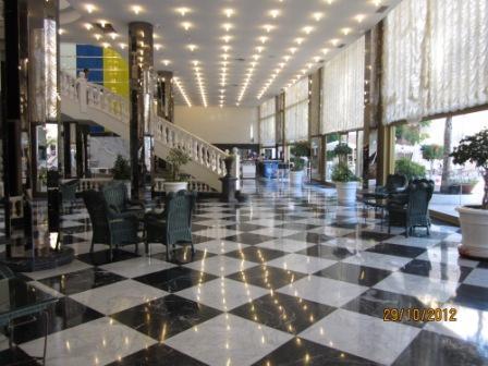 Tenerife-hotel-cleopatra-groundfloor2.jpg