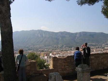 La vista del castillo en Denia