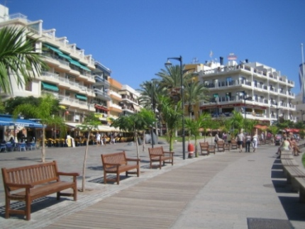 los-cristianos-seafront-paseo.jpg