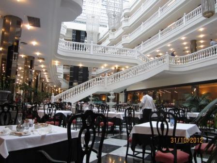 Tenerife-hotel-cleopatra-dining-room1.jpg