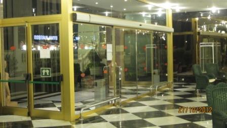 Tenerife-hotel-cleopatra-entrance-marco-antonio.jpg
