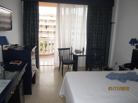Tenerife-hotel-cleopatra-room.jpg